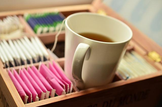 teacup-1252115_640
